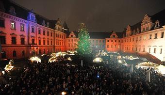 Romantischer Weihnachtsmarkt auf Schloss Thurn & Taxis