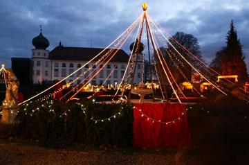 Weihnachtsmarkt auf Schloss Tüßling