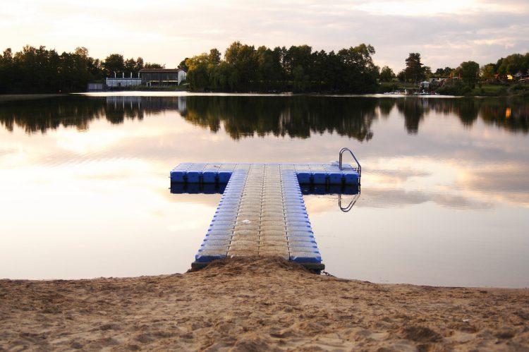 lake-440903_1280